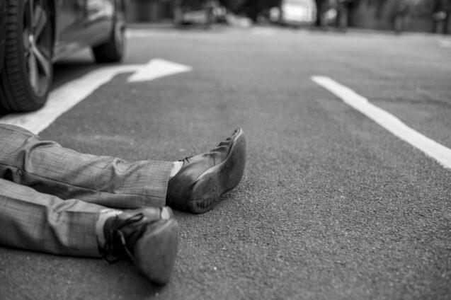 accident-asphalt-black-and-white-1537174